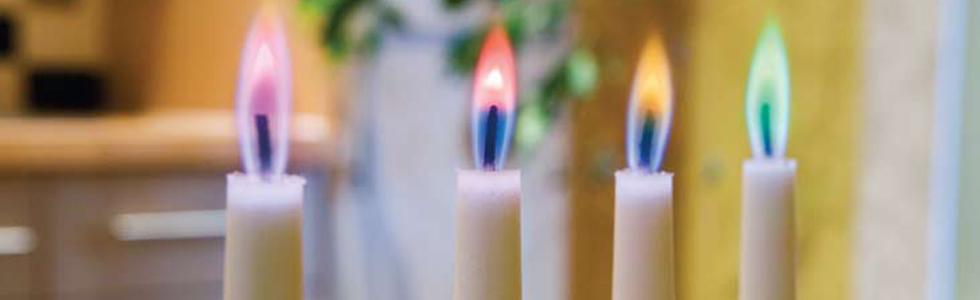 Kaars gekleurde vlam
