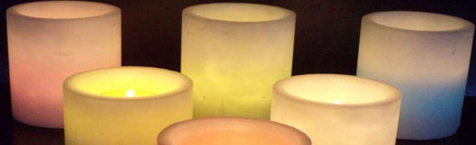 Witte wax windlichten