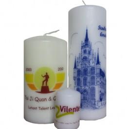 Witte en ivoorkleurige kaarsen van 200/70 bedrukken voor bedrijven en particulieren