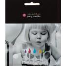 12 gekleurde taartkaarsjes met feestelijk gekleurde vlammetjes